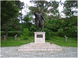 04 Karadjordjev spomenik etno kolmpeks Visevac