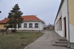 skola Malo Krcmare